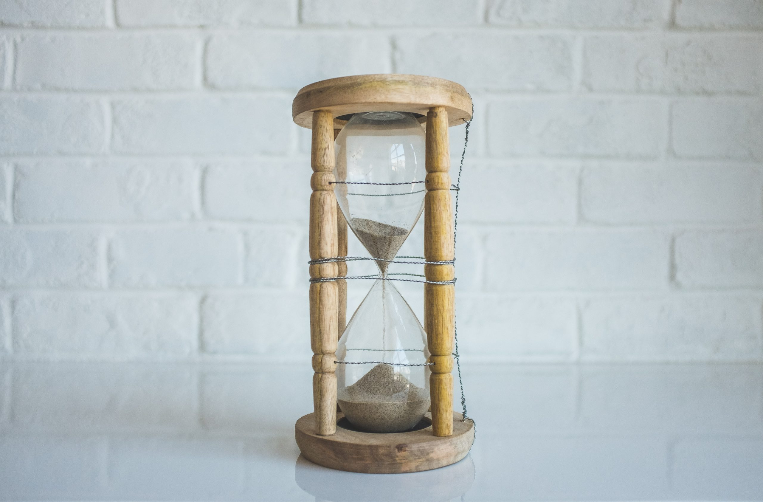 Picture of an hourglass